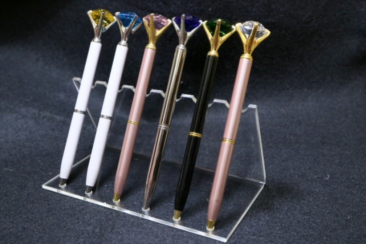 Colorful diamond pen